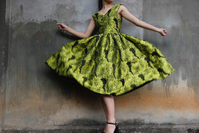 Sukienki wieczorowe dla puszystych