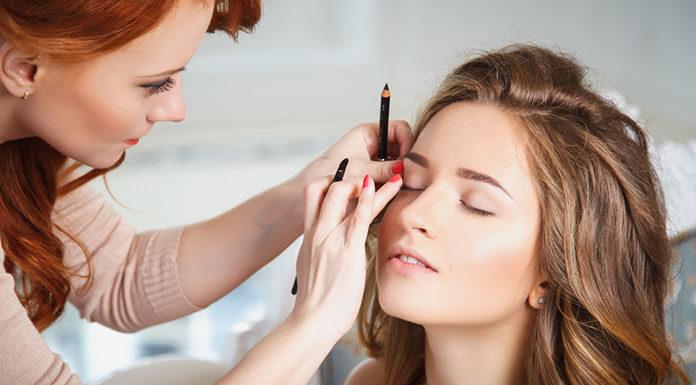 Podstawowe kosmetyki do makijażu